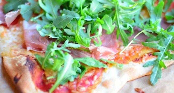 pizza met prosciutto