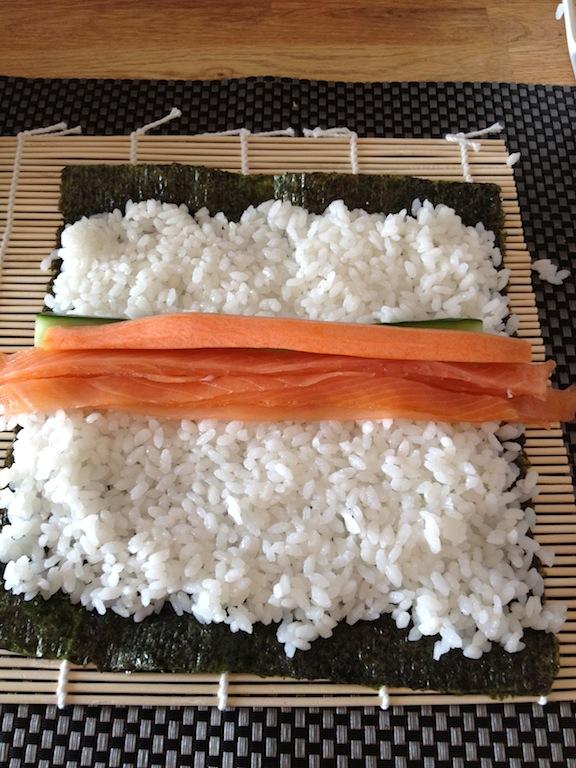 Zelf sushi maken met saitaku - Hoe u stuks scheidt ...