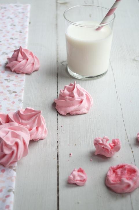 Roze meringues