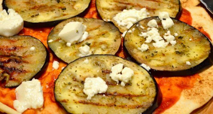 Platbrood met aubergine