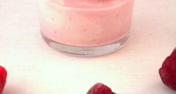aardbeien-yoghurt-bavarois-710x380.jpg