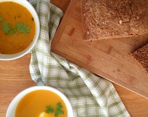 Gele Keuken 9 : Gele paprikasoep uit paulines keuken