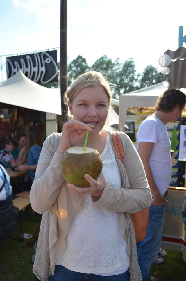 verse kokosnoot drinken