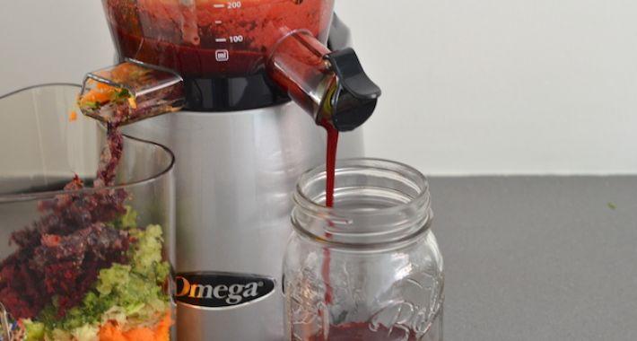 omega-slowjuicer-5-710x380.jpg