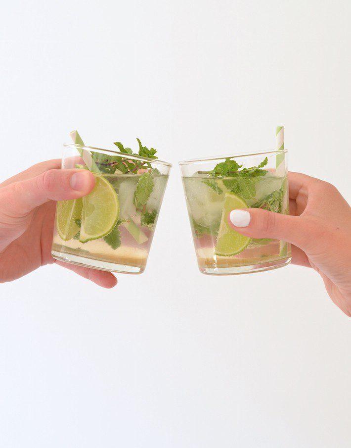 mojito-cocktail-maken-1-e1435955910913.jpg
