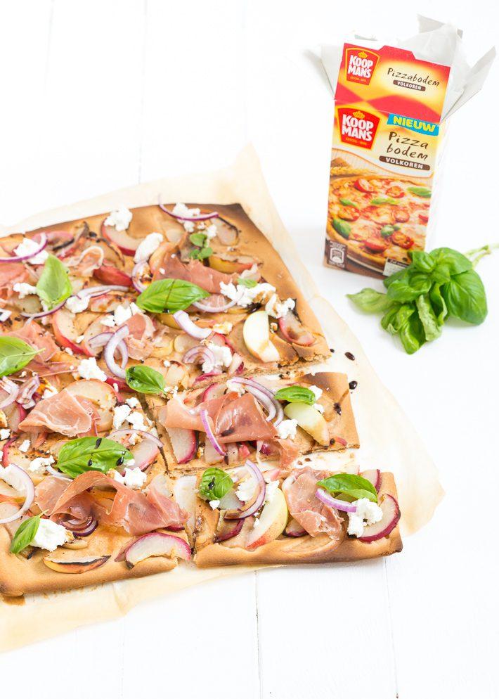 volkoren plaatpizza met perzik