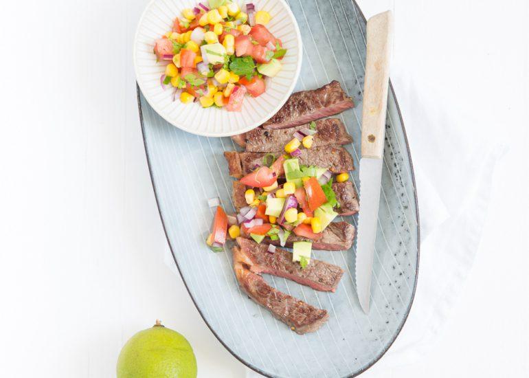 Mexicaanse steak met maïssalsa