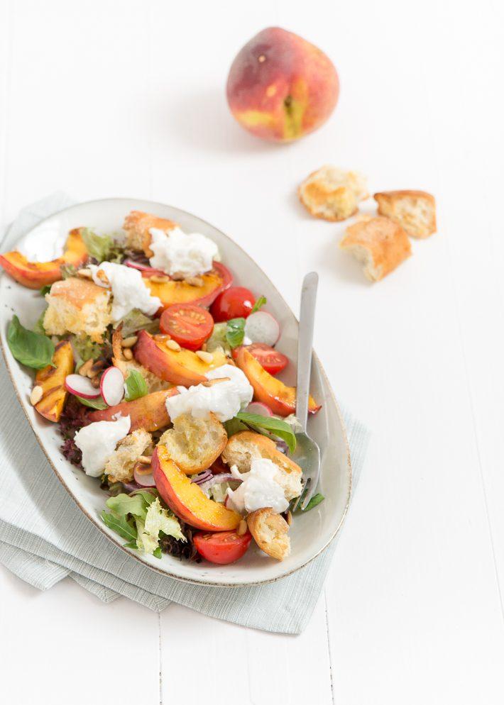 panzanella met perzik