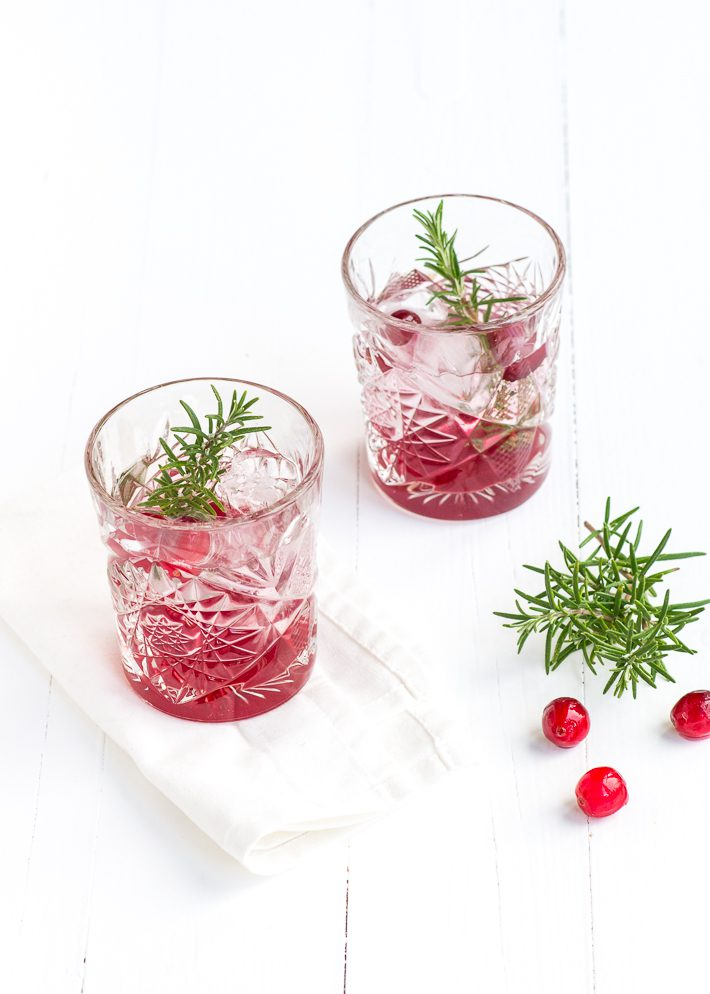 cranberry-gin-tonic-3-3