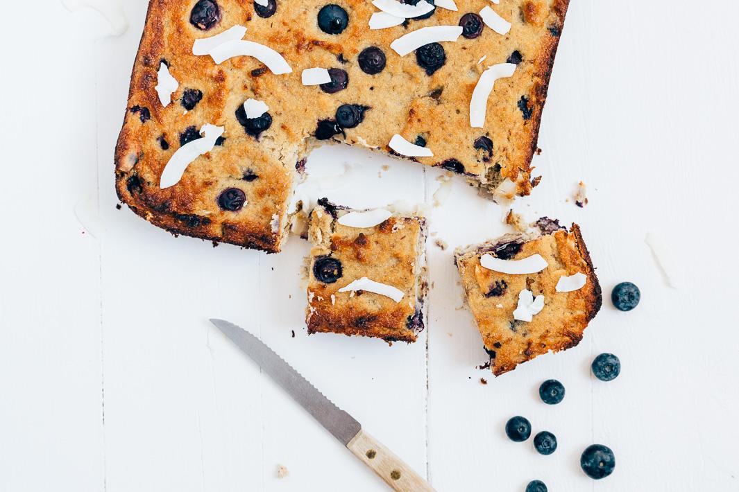 bananencake-met-blauwe-bessen-10.jpg