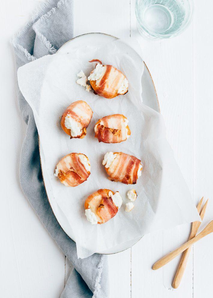 Abrikozen met bacon en geitenkaas