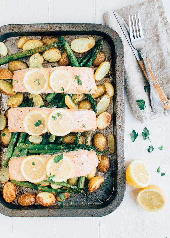 zalm uit de oven met krieltjes (eenpansgerecht) - uit pauline's keuken