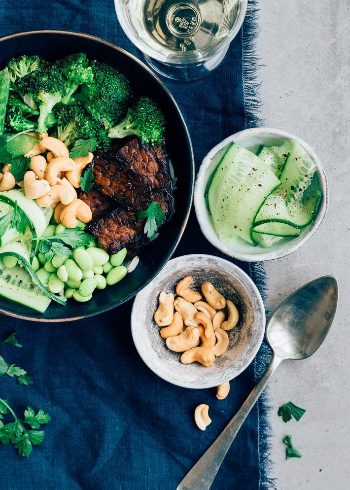 vegan tempeh bowl