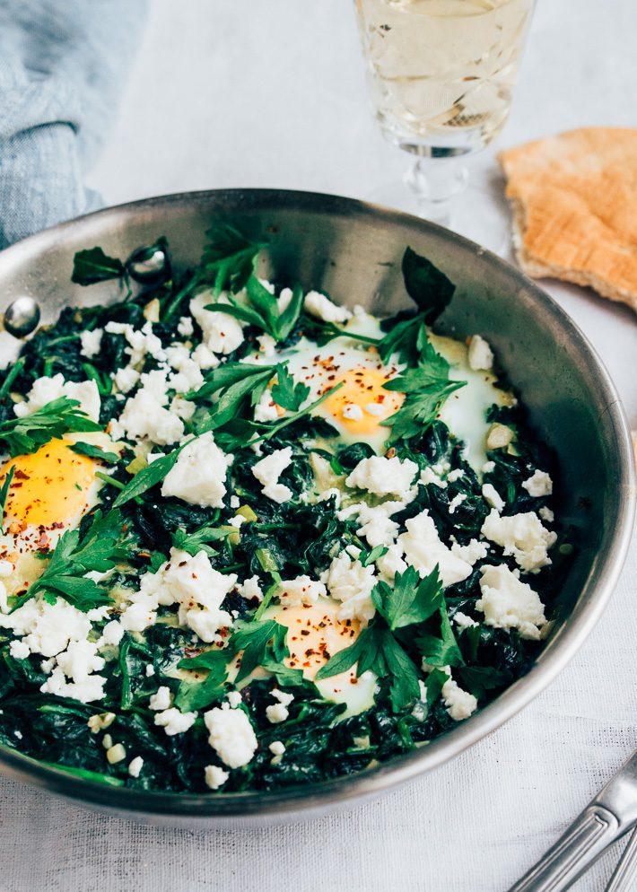 Groene shakshuka met spinazie