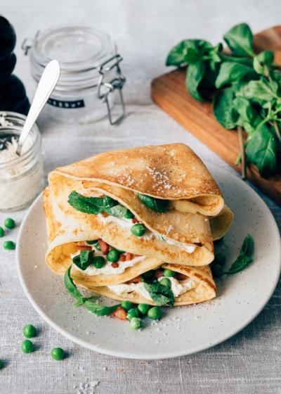 Hartige pannenkoek met doperwtjes en crème fraîche