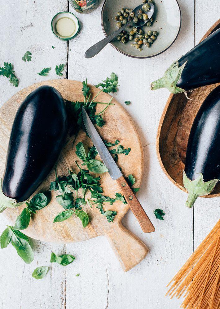 Geroosterde aubergine met muntyoghurt