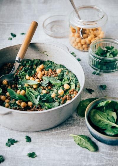Linzen stoofschotel met spinazie en kikkererwten