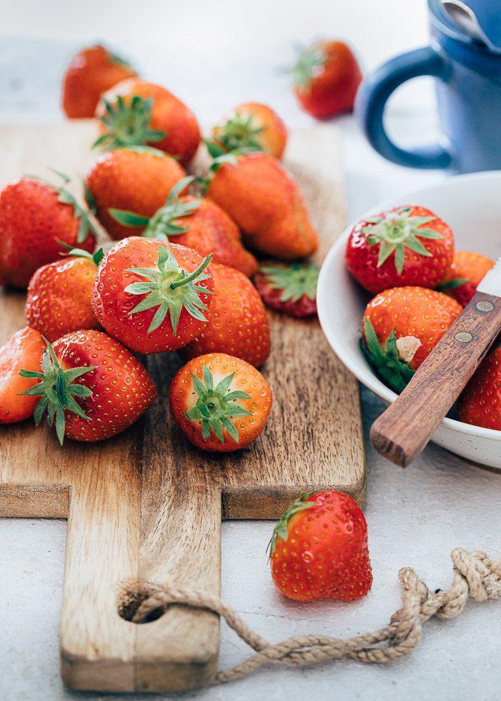 Eclairs met aardbeienroom