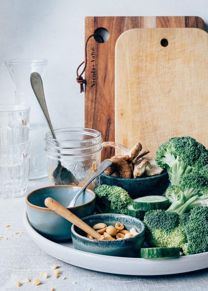 Gegrilde broccoli salade met pindakaasdressing