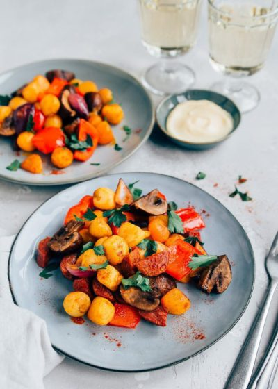 Spaanse aardappelschotel met chorizo