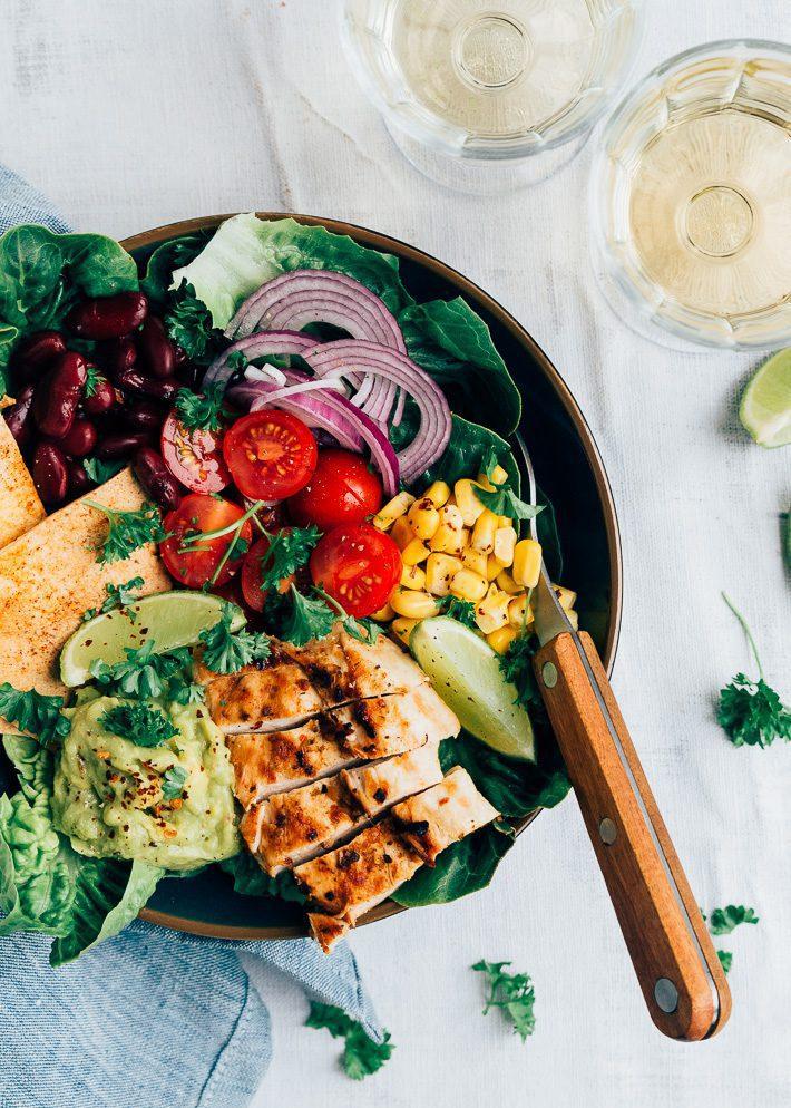 Mexicaanse salade met tortilla croutons