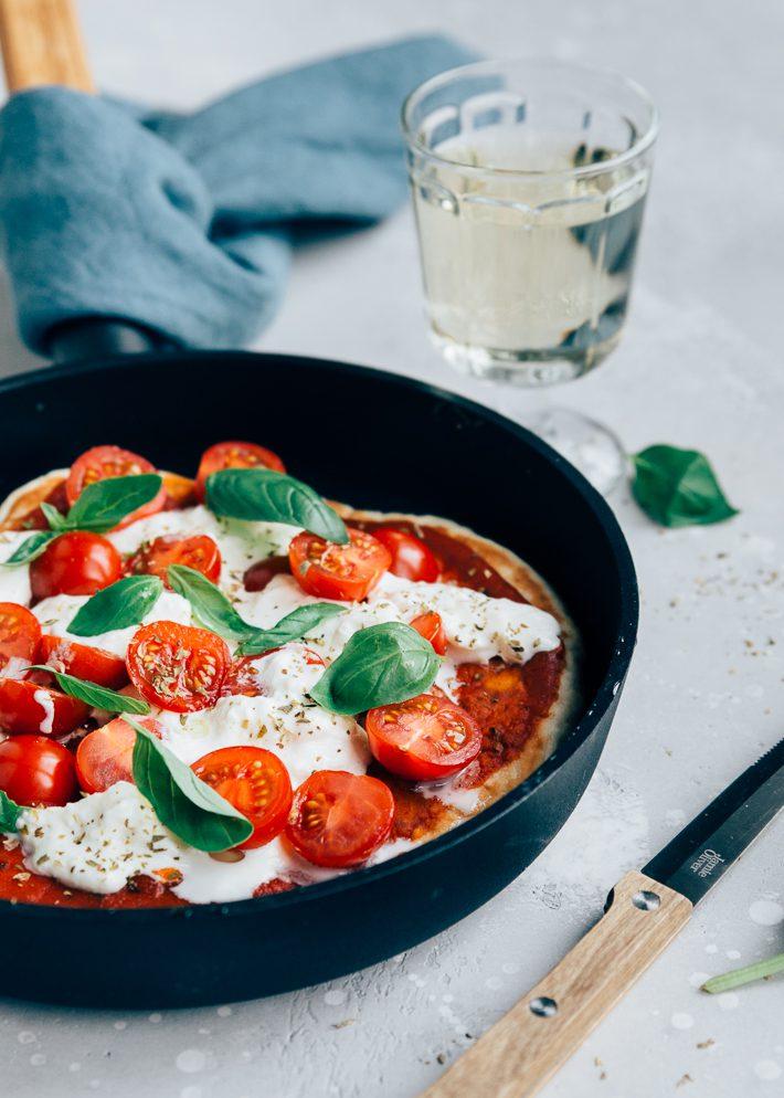 Pan pizza met burrata