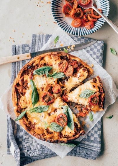 Hartige gehakttaart met tomaat & kaas