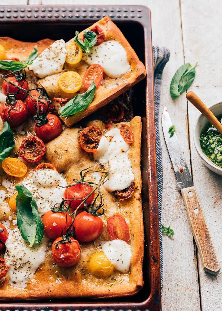Focaccia met tomaat en oregano