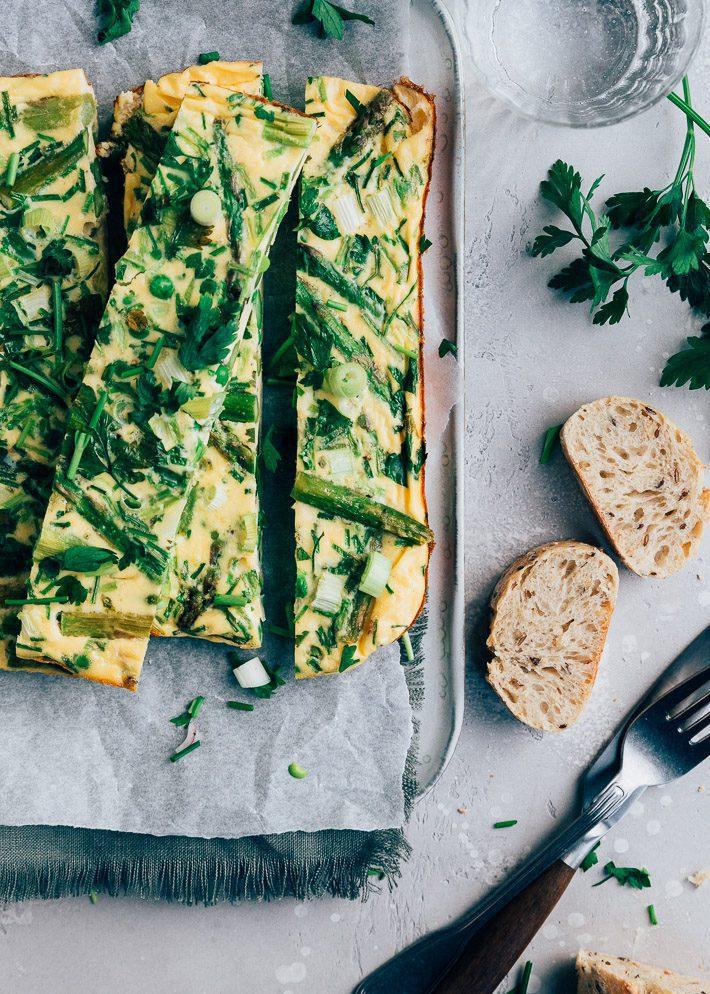 Omelet uit de oven met groene asperges