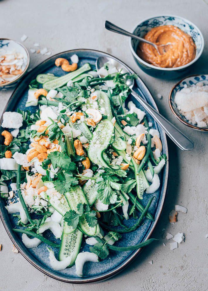 Paksoi salade met pindasaus