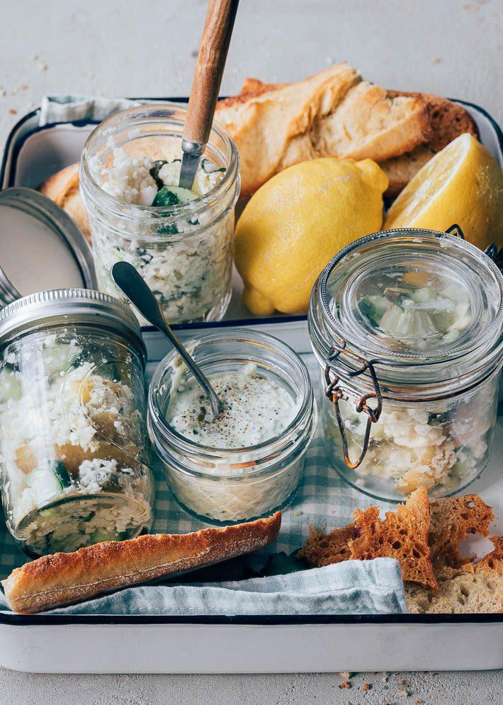Picknick salade met aardappel & groene dressing