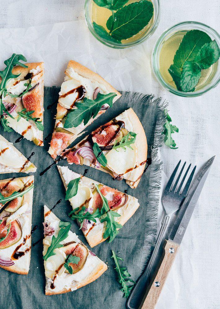 Bloemkoolpizza met vijgen en geitenkaas