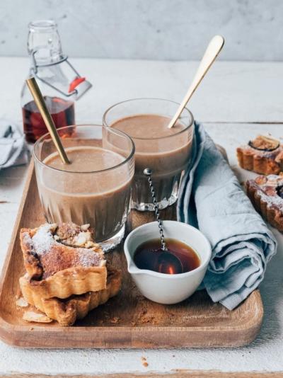 Tahini dadel shake met koffie