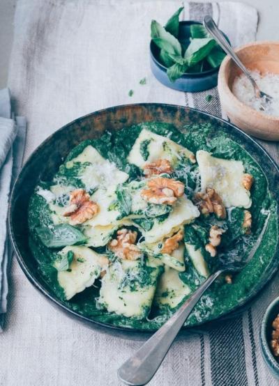 Ravioli met spinazie roomsaus