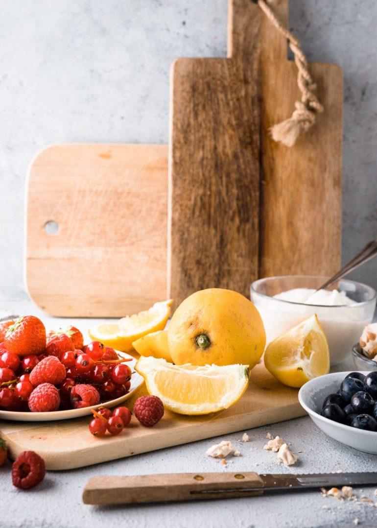 Hangop met vers fruit